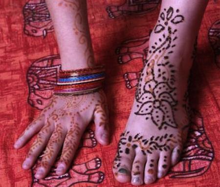 Tatuaggi all'hennè: attenti alle dermatiti allergiche!