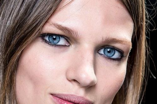 trucco occhi azzurri 11
