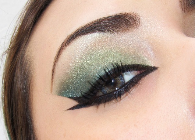 trucco occhi verdi 11