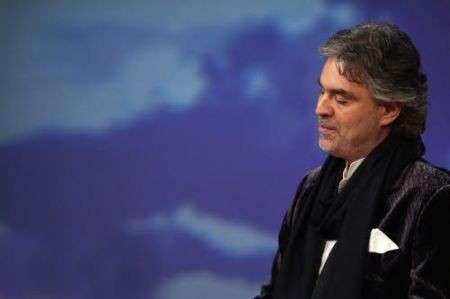 """Andrea Bocelli: """"Una pallonata mi ha reso cieco"""""""