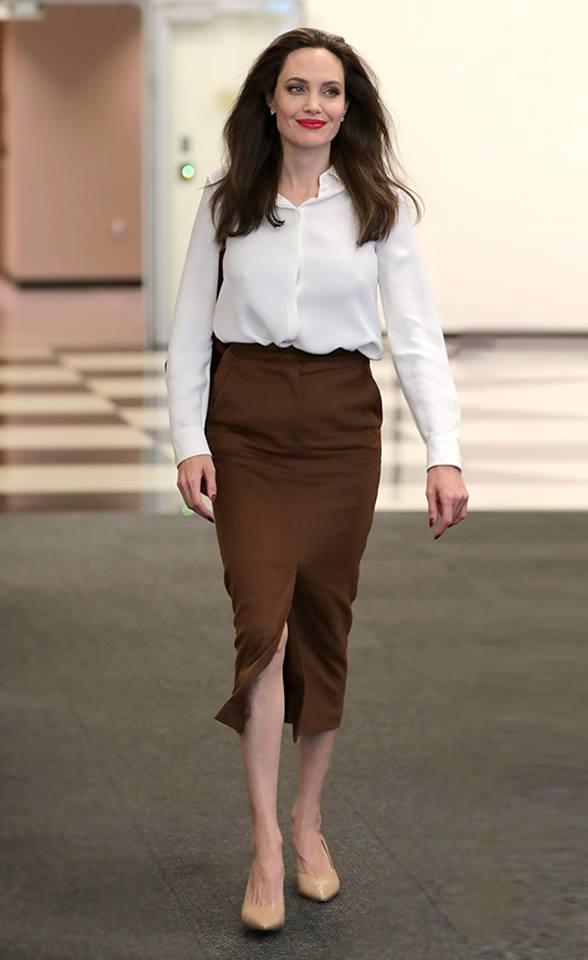 angelina jolie in max mara facebook come vestirsi a 40 anni