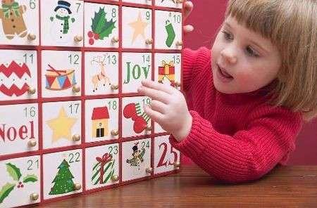 bambina calendario avvento