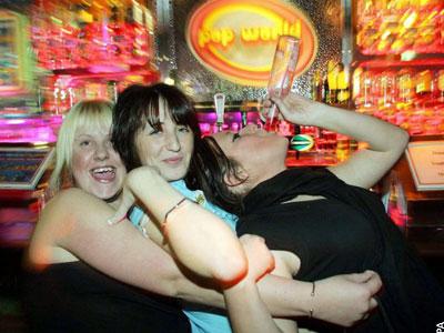 Il binge drinking fa male al cuore