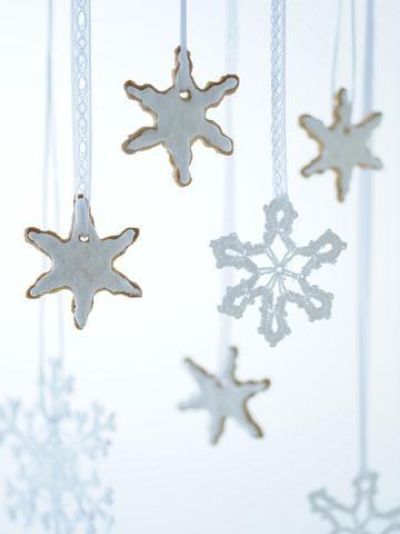Biscotti di Natale: stelline da appendere