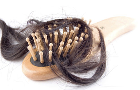 Caduta capelli: rimedi per prevenire e risolvere il problema