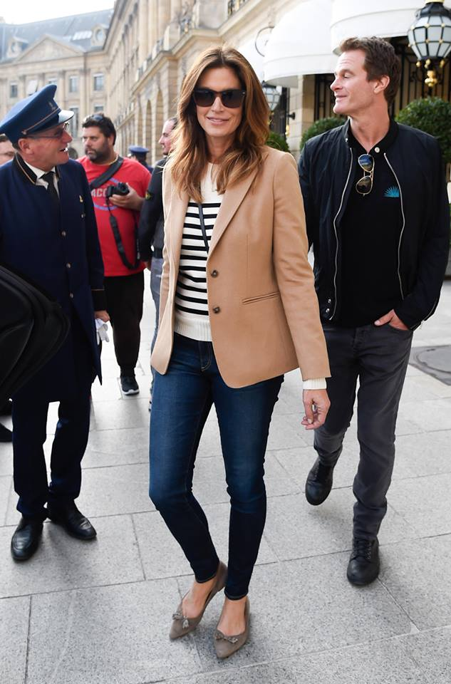 cindy crawford in max mara come vestirsi a 50 anni