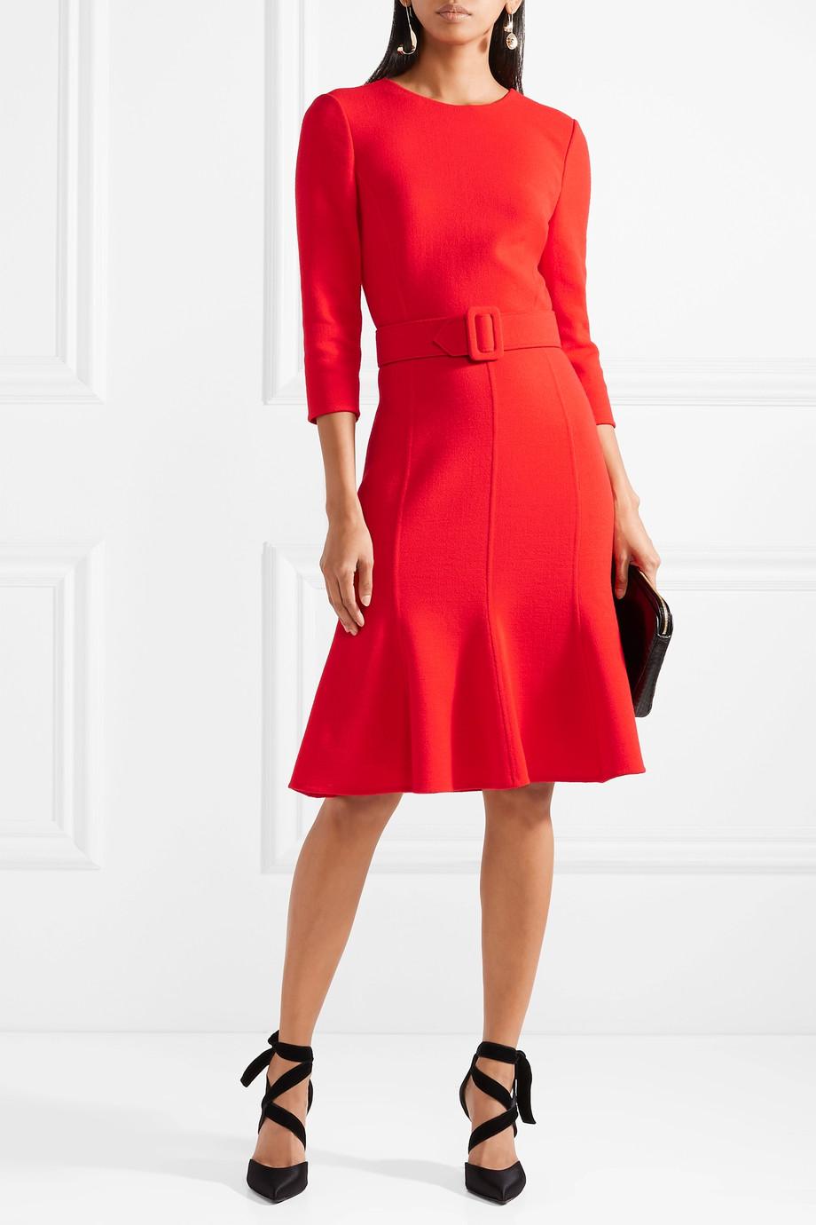 come vestirsi alle feste abito rosso oscar de la renta