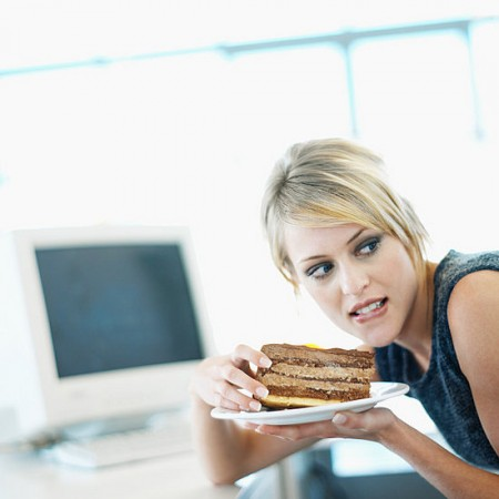 La fame nervosa si combatte con una dieta equilibrata