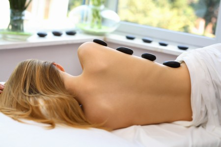 massaggio pietre luce