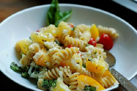 Ricette light: pasta peperoni e basilico