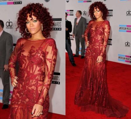 Rihanna con un abito di Elie Saab