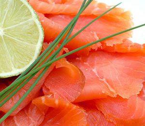 Colesterolo più basso con il salmone