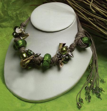 Creare gioielli collana verde smeraldo