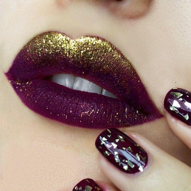 Labbra rosso scuro con glitter oro trucco natale