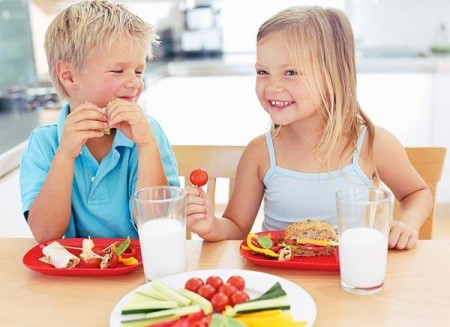 Obesità infantile, Obama firma la legge per il cibo sano a scuola