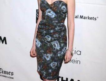 Anne Hathaway sceglie Dolce & Gabbana