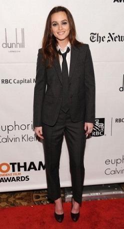 Il look menswear di Leighton Meester contagia tutte le star!