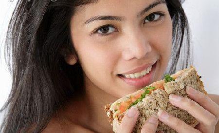 Cereali e pane integrale prevengono l'ictus