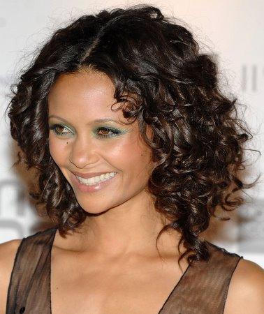 Permanente per capelli: consigli per avere capelli riccissimi