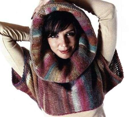 Schemi maglia: come fare un coprispalle con cappuccio [FOTO]