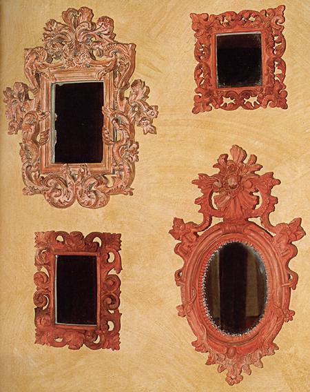 Cornici in legno per gli specchi