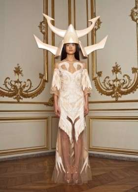 Sfilate Haute couture pe 2011: Givenchy