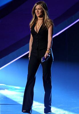 Dolce & Gabbana: il tailleur di Jennifer Aniston