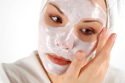 Viso, maschere fai da te allo yogurt