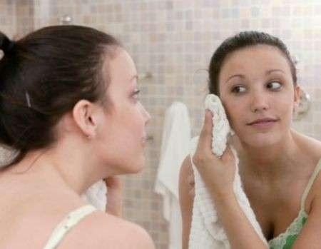 Pulizia del viso, gli errori da evitare