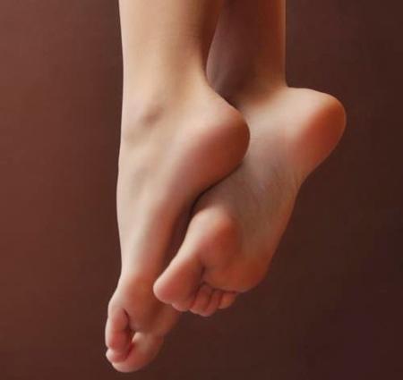 Dolore alla pianta del piede: cosa fare