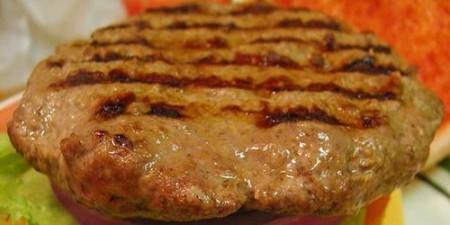 Cancro: 5 hamburger a settimana aumentano il rischio