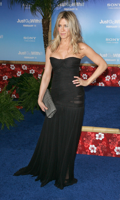 "Jennifer Aniston promuove ""Just Go With It"" in Dolce & Gabbana"