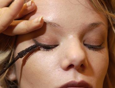 Make up, le italiane scelgono il trucco acqua e sapone