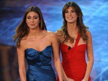 Sanremo 2011, prima serata: Belen in blu, Canalis in rosso. Le foto