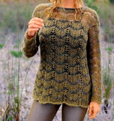 Lavori ai ferri: maglione a punto maglie allungate
