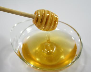 Svezzamento: mai il miele ai neonati prima dei 12 mesi