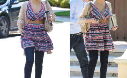 Jessica Alba con le zeppe di Miu Miu