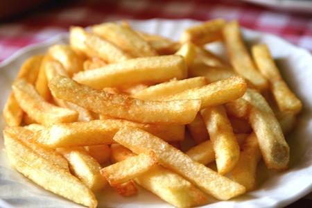 Alimentazione: la dipendenza da junk food si trasmette al nascituro