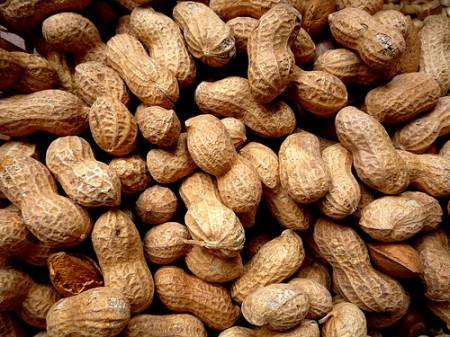 noccioline arachidi colesterolo