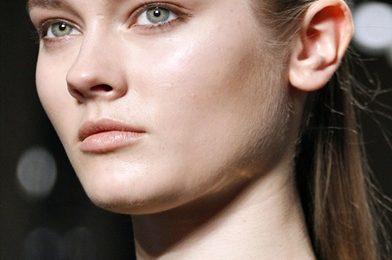 Trucco viso: naturale alla sfilata di Giambattista Valli