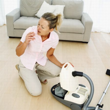 Allergie a polvere e acari: le pulizie di primavera aiutano a prevenirle