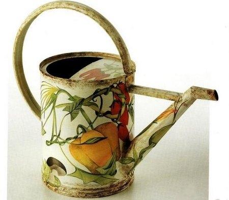 Decoupage: decora l'annaffiatoio del tuo giardino