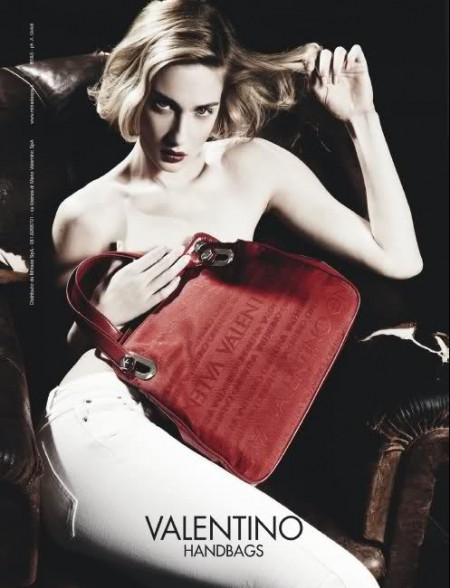 Valentino Handbags P/E 2011: Eva Riccobono è la nuova testimonial