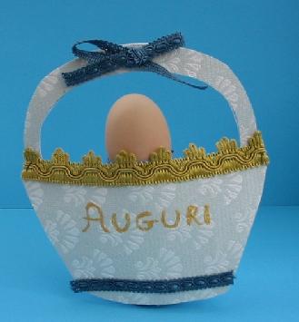 Lavoretti Pasqua 2011: creiamo un simpatico cestino colorato
