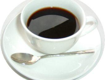 Cibo spazzatura, vietato bere caffè