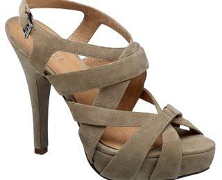 Cindy Crawford firma una linea di scarpe per Deichmann
