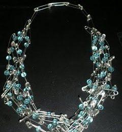 Bijoux: realizziamo una collana con le spille da balia