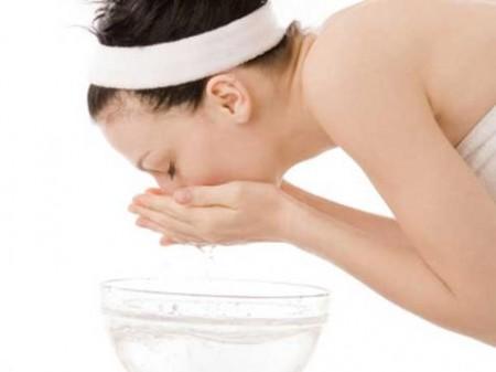 Pelle, come lavarsi correttamente il viso