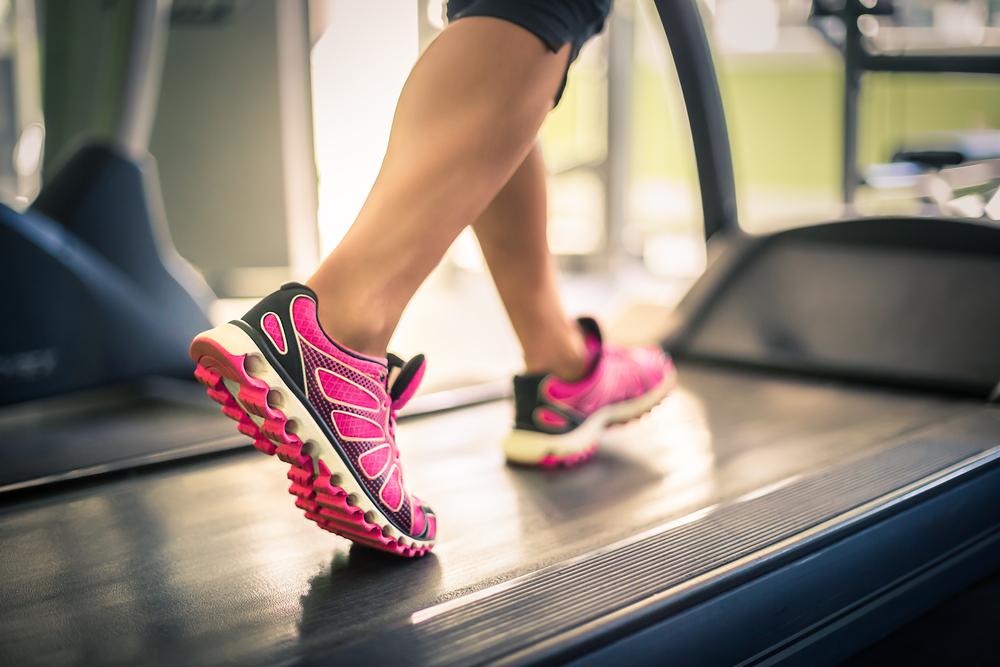Come bruciare calorie in casa, camminando e correndo