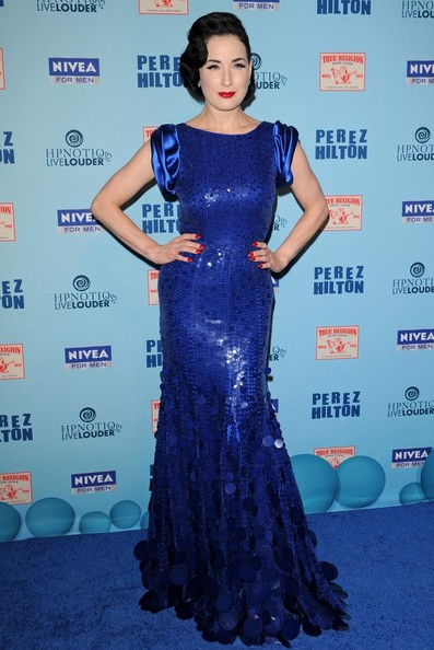 Celebrity Style: Dita Von Teese veste Jenny Packham